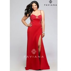 Faviana gown  ❣️